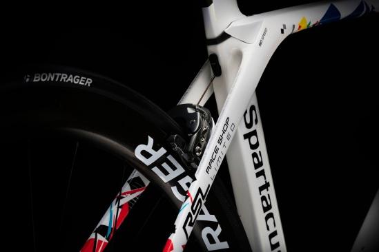 TK16_Fabian_Special_Tour_Bikes_Madone_Seat_Stay_edit